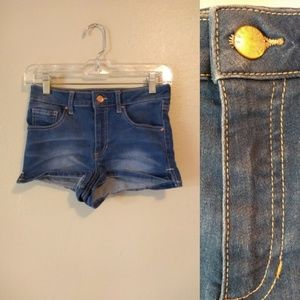 Forever 21 Denim Stretch Short Shorts 24 Waist.